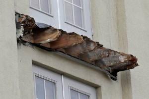 US Balcony-dryrot